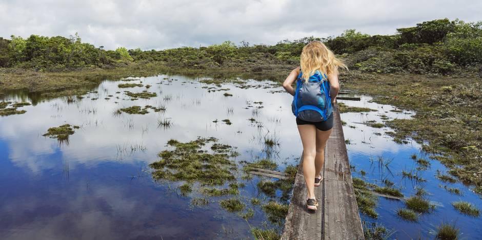 Envie de voyager seule? Où dénicher les conseils?