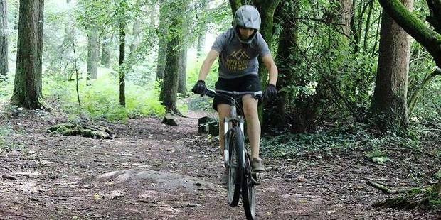 Villers-le-Bouillet: un ado entre la vie et la mort après une chute à vélo - La DH