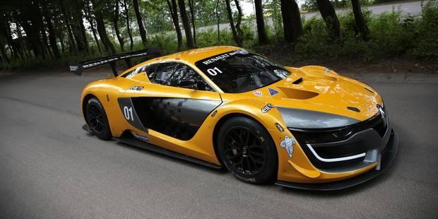 Le nouveau proto Renault, à 270 km/h au milieu des arbresde Ronquières - La DH