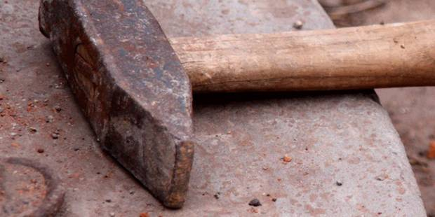 Condamné pour avoir frappé 16 fois sa compagne avec un marteau - La DH