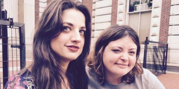 Deux soeurs s�par�es � la naissance se rencontrent 30 ans plus tard