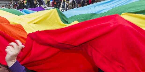 Deux Marocains arrêtés après un baiser en public - La DH