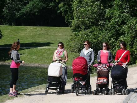 Photos Bernard Demoulin: Cours de gym pour maman qui viennent d'accoucher avec leurs bebes