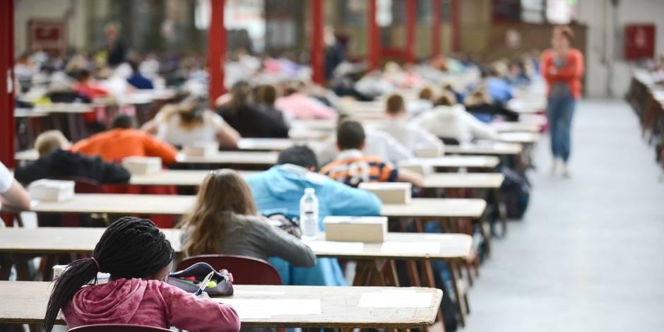 Des adultes aussi passent le CEB, qui restera souvent leur seul diplôme - La DH