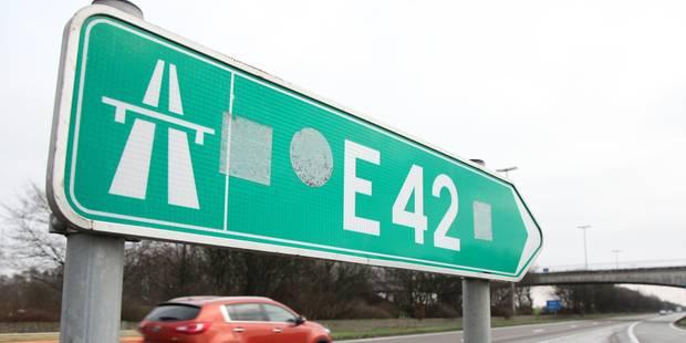 La E42 a été temporairement fermée - La DH