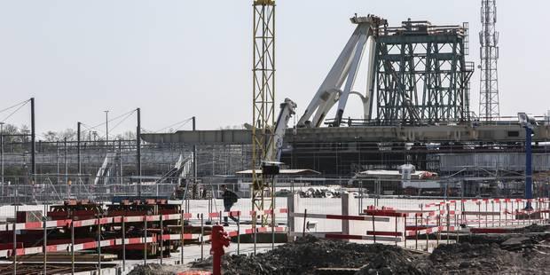 Chantier de la gare de Mons: des travailleurs ne sont plus payés depuis des semaines - La DH