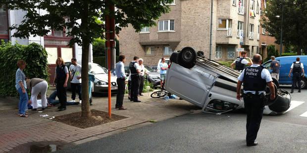 Impressionnant accident impliquant 2 camionnettes à Woluwé-Saint-Lambert (Photos) - La DH