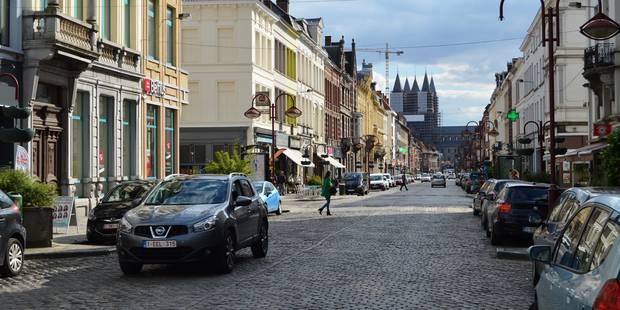 Tournai première ville wallonne à permettre le paiement du stationnement par smartphone - La DH