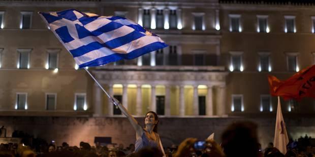 Cinq semaines après sa fermeture, la bourse d'Athènes ouvre avec une chute historique - La DH