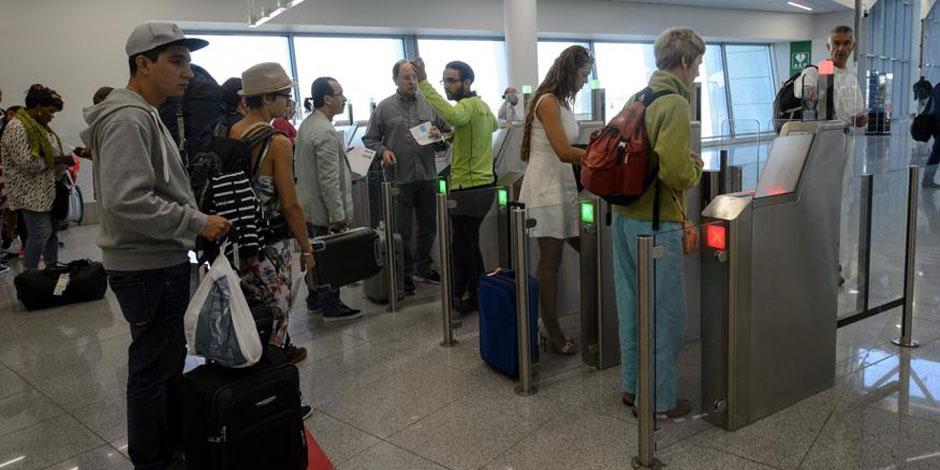 Grève du zèle à Brussels Airport: les rapports entre Galant et les syndicats s'enveniment