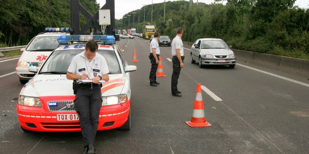 Un accident provoque plusieurs kilomètres de files sur la E411 - La DH