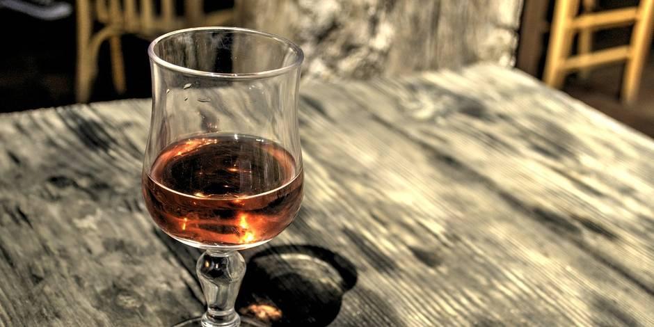 Chine: une passagère vide une bouteille de cognac pour éviter de la jeter au contrôle