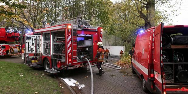 Violent incendie dans une ferme à Quévy - La DH