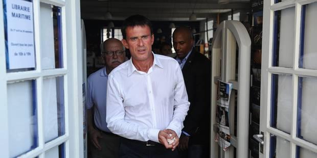 """Valls: les migrants """"qui fuient la guerre"""" doivent """"être accueillis"""" - La DH"""