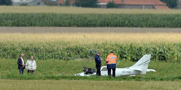 """Deux morts dans un crash d'ULM à Velaines: """"L'avion a virevolté et puis s'est écrasé dans un champ..."""" (PHOTOS) - La DH"""