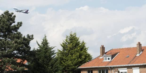 Survol de Bruxelles: Wezembeek fait la chasse aux nuisances - La DH