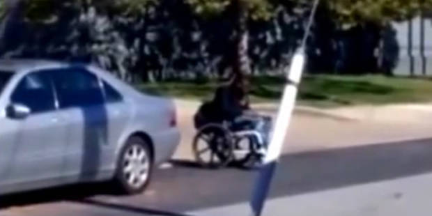 Polémique aux USA: des policiers tirent sur un Noir en fauteuil roulant (VIDEO) - La DH