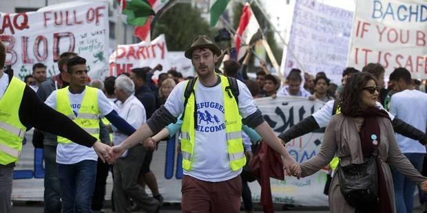 Des milliers de personnes ont marché en solidarité avec les réfugiés à Bruxelles - La DH