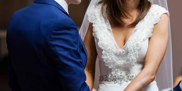 Des invités ne viennent pas à leur mariage, les mariés leur envoient la facture - La DH