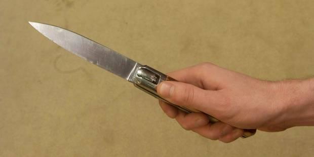 Ressaix: un jeune homme tue son demi-frère d'un coup couteau pour un GSM - La DH
