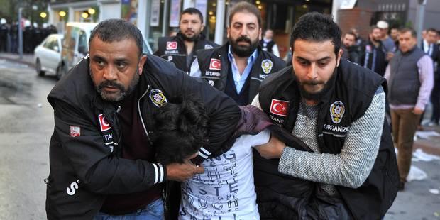 Turquie: à 4 jours des élections, la police prend d'assaut deux télévisions de l'opposition (VIDEO) - La DH