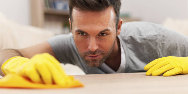 Etonnant : dans un quart des couples, l'homme fait plus de travail domestique que sa conjointe - La DH