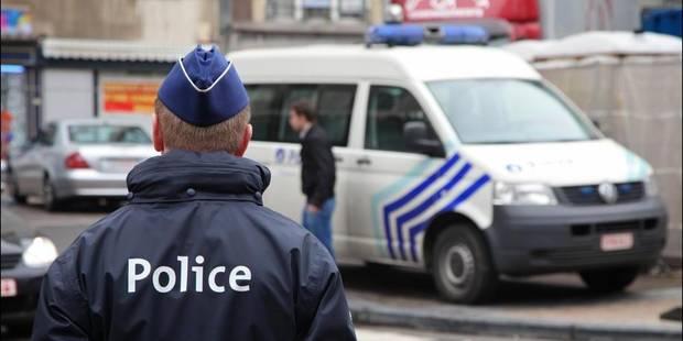 Ivre, il cause un accident après une poursuite de la police près de Gand - La DH
