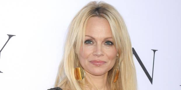 Pamela Anderson pose nue pour annoncer sa guérison - La DH