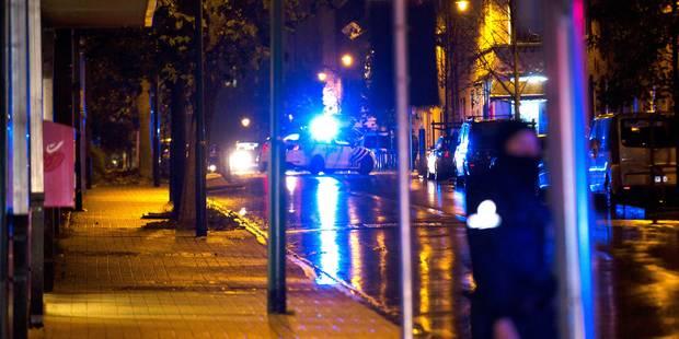 Un photographe agressé lors des perquisitions à Molenbeek (PHOTOS + VIDEOS) - La DH
