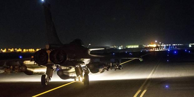 Attentats à Paris: La France bombarde le fief de Daech (VIDEO) - La DH