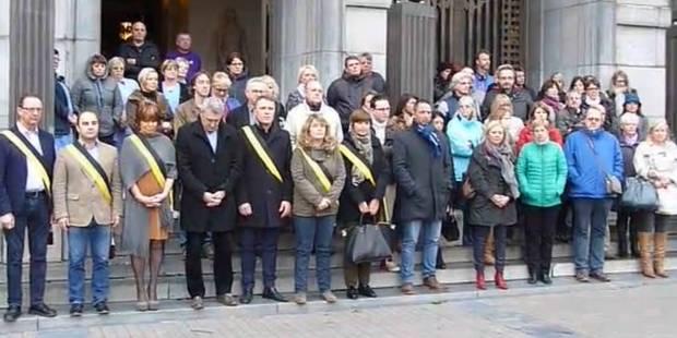Attentats de Paris: la ville de Charleroi a rendu hommage aux victimes (VIDEOS) - La DH