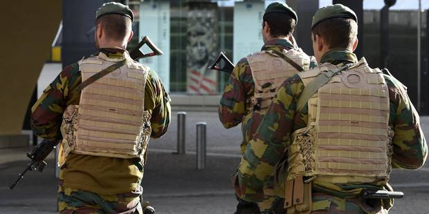 Menace terroriste: 28 militaires ont débarqué à Charleroi - La DH
