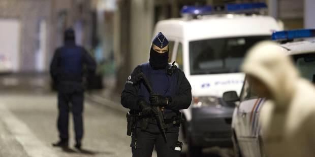 Attentat de Paris : cinq perquisitions en Région bruxelloise, deux personnes emmenées pour audition - La DH