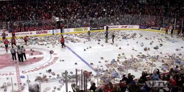 Une pluie de peluches lors d'un match de hockey sur glace - La DH