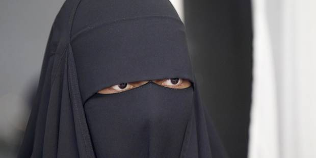 Bruxelles: la femme au niqab risque 18 mois de prison - La DH
