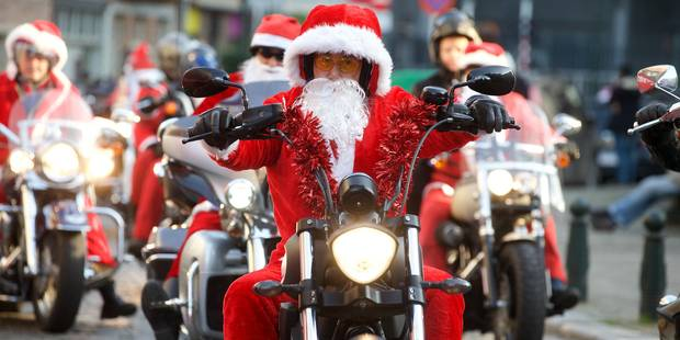 Près de 300 Harley-Davidson défilent à Bruxelles pour Noël - La DH