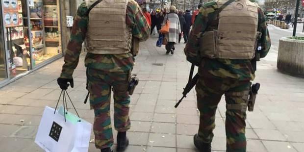 Le militaire qui faisait du shopping relevé de ses fonctions - La DH