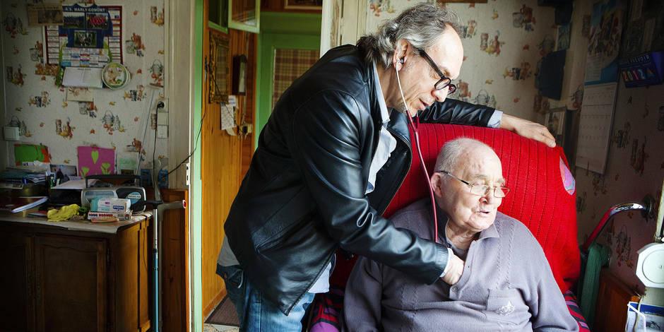 Phénomène étonnant: Les médecins boudent les visites à domicile - La DH