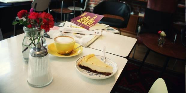 Votre café, vous le prendrez avec ou sans lecture ? Le retour des cafés littéraires - La DH