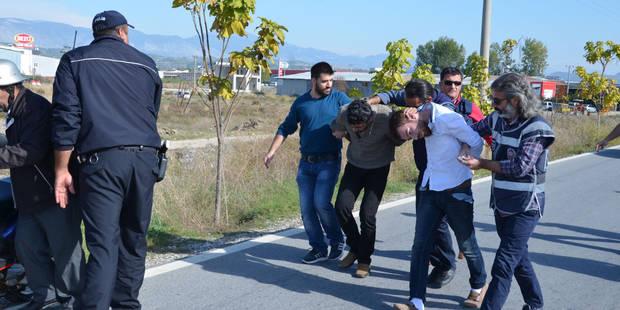 Attentats à Paris : Dahmani, le suspect belge arrêté en Turquie, avait aussi un passeport syrien falsifié - La DH