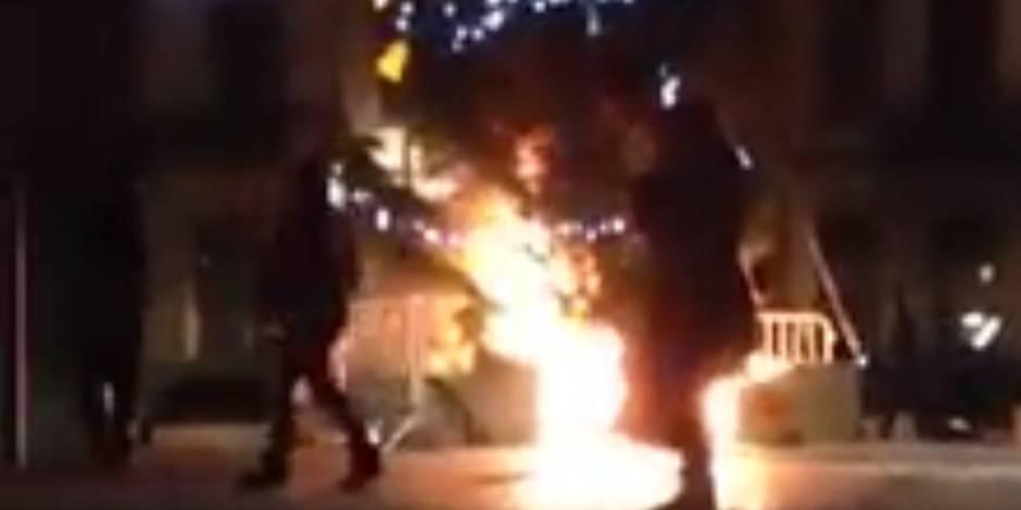 Une bande de jeunes se filme en train de faire brûler un sapin à Anderlecht (VIDÉO)