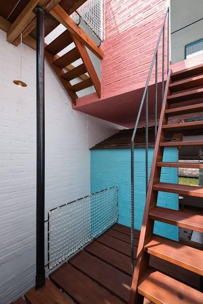 plusieurs petites maisons dans une seule comme un petit. Black Bedroom Furniture Sets. Home Design Ideas
