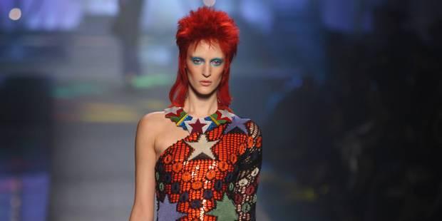 David Bowie a influencé les grands stylistes comme Gaultier, ils lui rendent hommage - La DH
