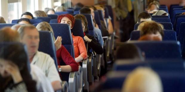 Agressions sexuelles en série dans le train: 3 plaintes contre des migrants ! - La DH