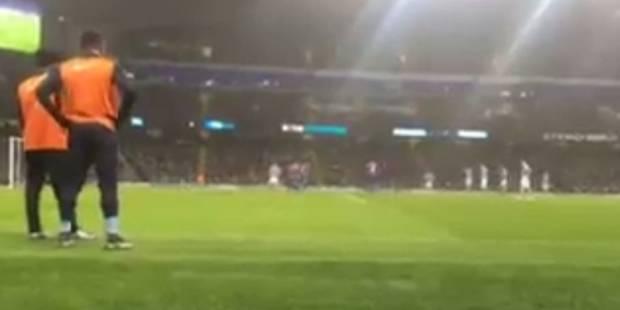 """""""Bacary, on voit rien là"""": la réponse géniale de Sagna à des supporters belges en plein match (VIDEO) - La DH"""