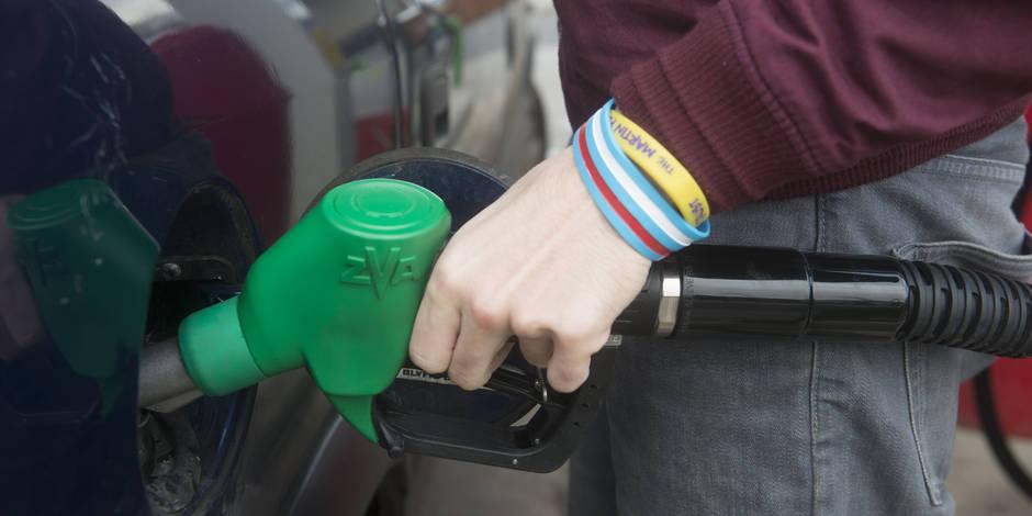 Le prix du diesel plonge à la pompe (INFOGRAPHIES)