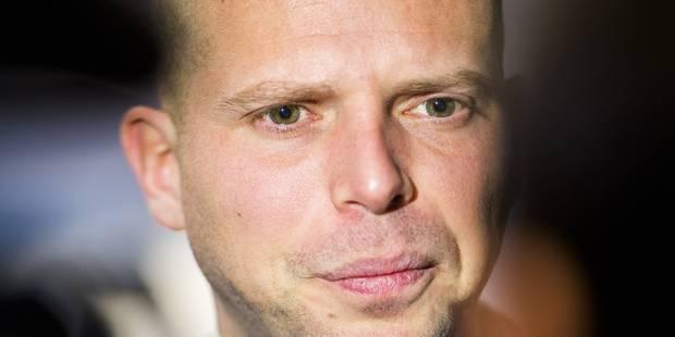 Francken veut doubler les places en centres fermés - La DH