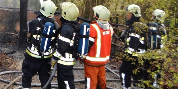 Violent incendie dans une habitation à Tournai - La DH