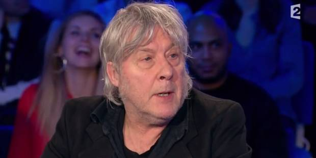 """Arno refait le buzz chez Ruquier avec son """"érection cérébrale"""" - La DH"""
