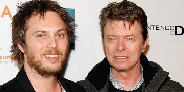"""La carte de Noël """"spéciale"""" du fils de David Bowie à son père, juste avant sa mort - La DH"""